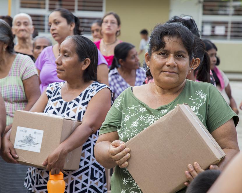 Entregan ayuda a damnificados en Salina Cruz | El Imparcial de Oaxaca
