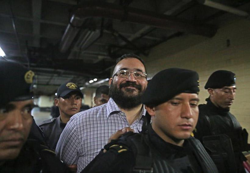 Sonriente, Javier Duarte acepta extradición a México | El Imparcial de Oaxaca