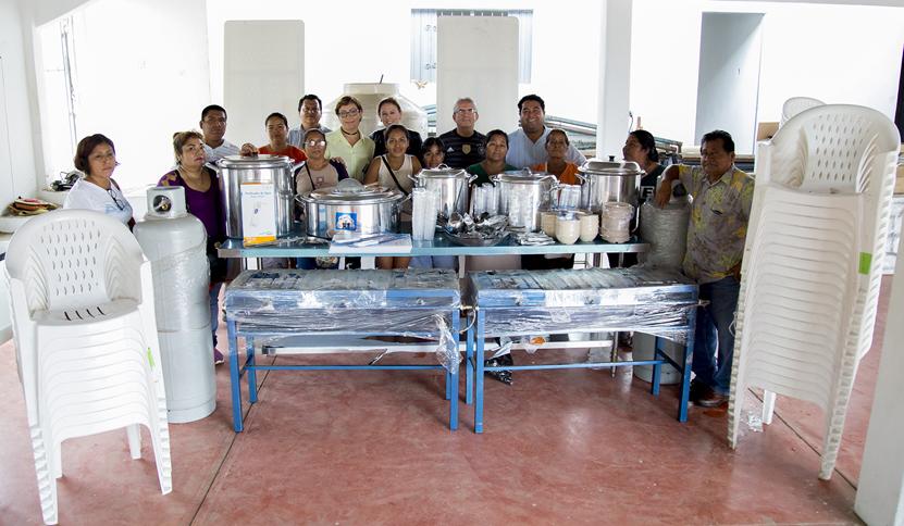 Equipan comedores comunitarios   El Imparcial de Oaxaca