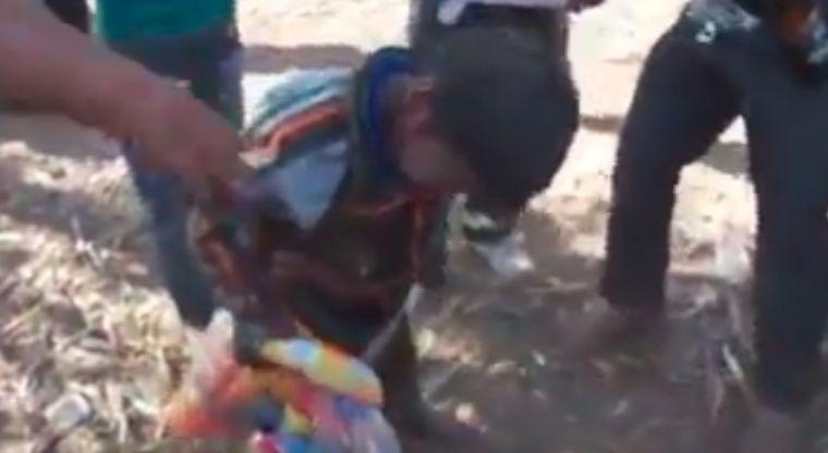 Video: Emborrachan a niños en fiestas tradicionales | El Imparcial de Oaxaca