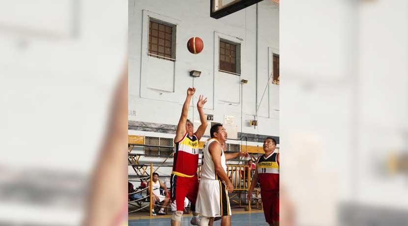 Ángeles, tetracampeón de la Liga Universitaria de Basquetbol de Veteranos | El Imparcial de Oaxaca