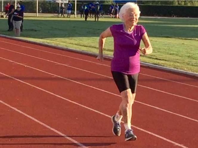 Mujer de 100 años rompe récord en carreras para adultos mayores | El Imparcial de Oaxaca
