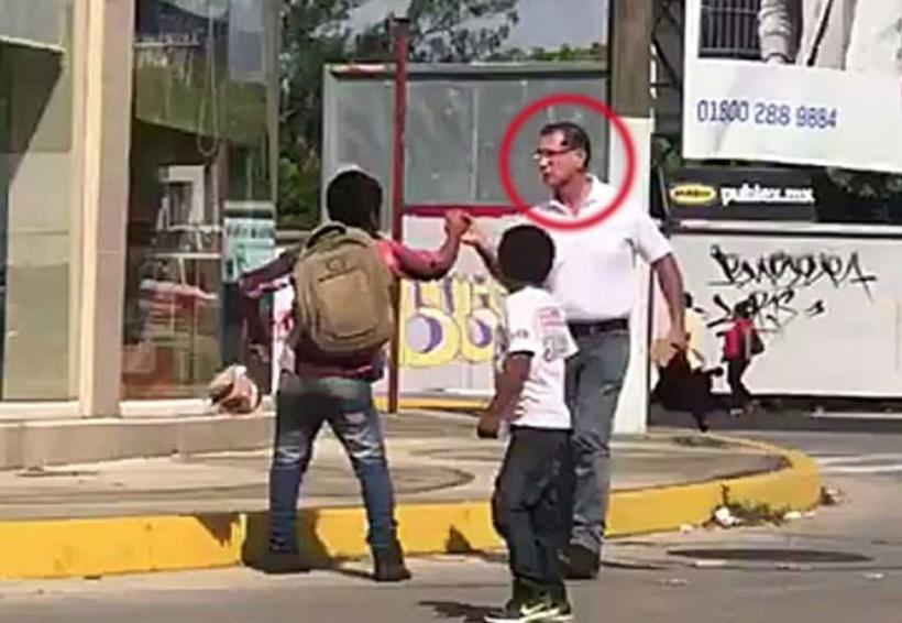 Video: '¡Me quiere robar!', gritó niño y funcionario lo agrede | El Imparcial de Oaxaca