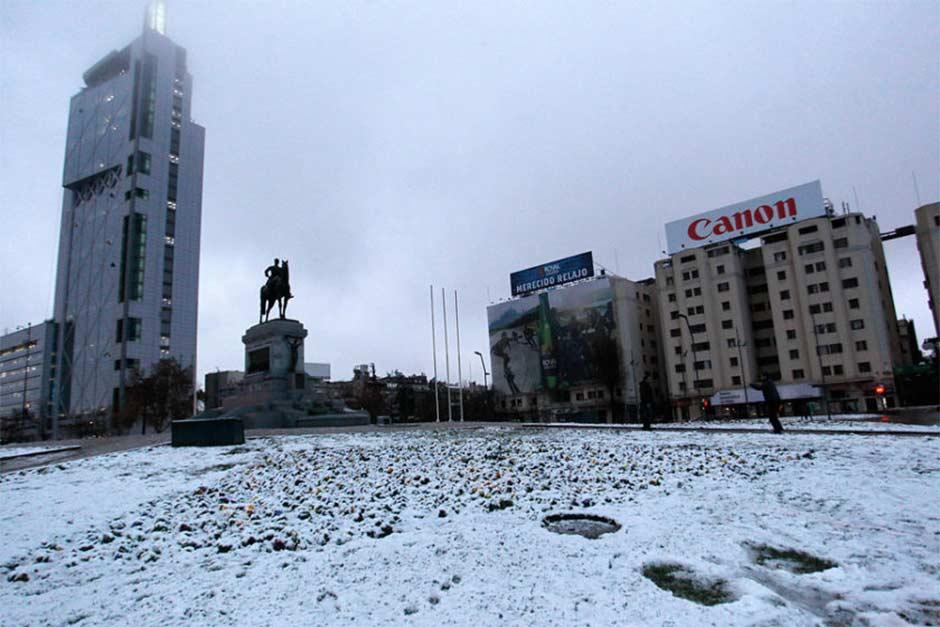 Santiago de Chile registra primer nevada en varios años | El Imparcial de Oaxaca