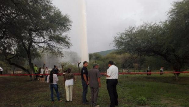 Rebrota geiser de 40 metros de altura en Michoacán   El Imparcial de Oaxaca