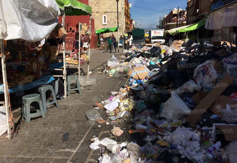 La acumulación de basura se agrava en el centro histórico de Oaxaca | El Imparcial de Oaxaca