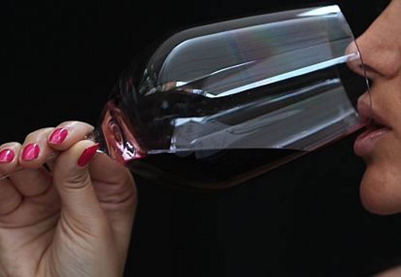 Beber alcohol 3 veces por semana reduce el riesgo de diabetes | El Imparcial de Oaxaca