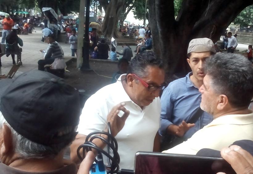 Inspectores del  Municipio de Oaxaca intentan  retirar vendedores | El Imparcial de Oaxaca
