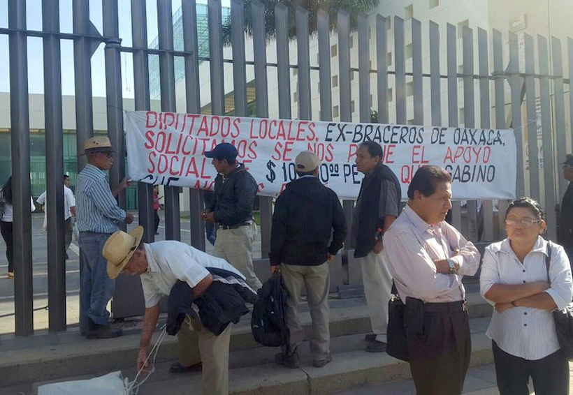Excluyen a 12 mil exbraceros de apoyos | El Imparcial de Oaxaca
