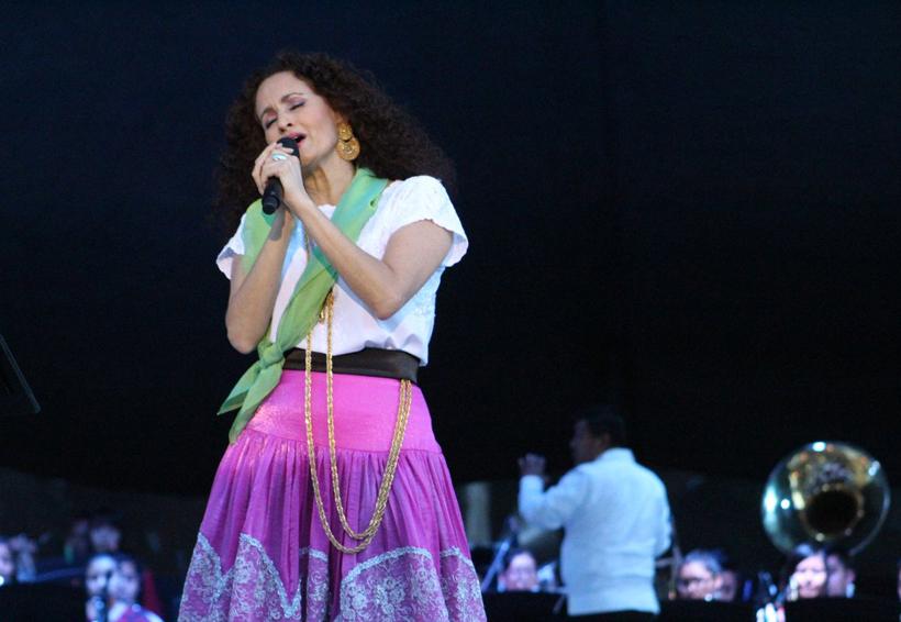 Mi Guelaguetza, concierto de Susana Harp en la Plaza de la Danza | El Imparcial de Oaxaca