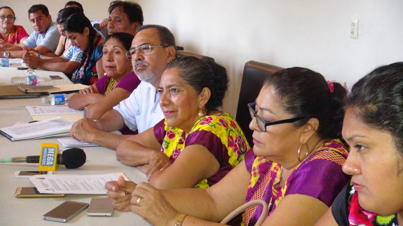 Destina Juchitán recursos  para armar a policías | El Imparcial de Oaxaca