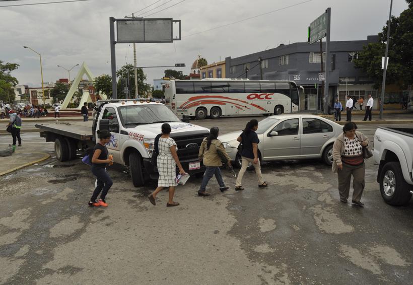 Lamentan pasividad ante bloqueos de S-22 | El Imparcial de Oaxaca