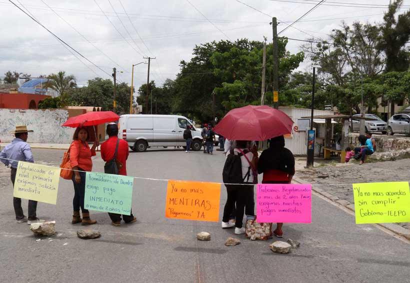 Bloquean maestros Avenida San Felipe | El Imparcial de Oaxaca