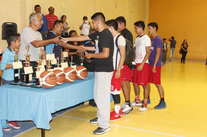 Culmina la quinta temporada en la Liga de Basquetbol de Educación Física Independiente | El Imparcial de Oaxaca