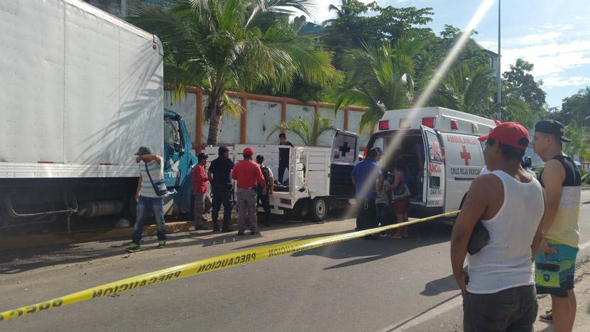 Trágico choque en Puerto Escondido   El Imparcial de Oaxaca