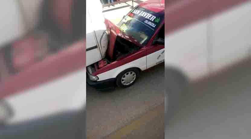 Choca taxi y urbano en Xoxo | El Imparcial de Oaxaca