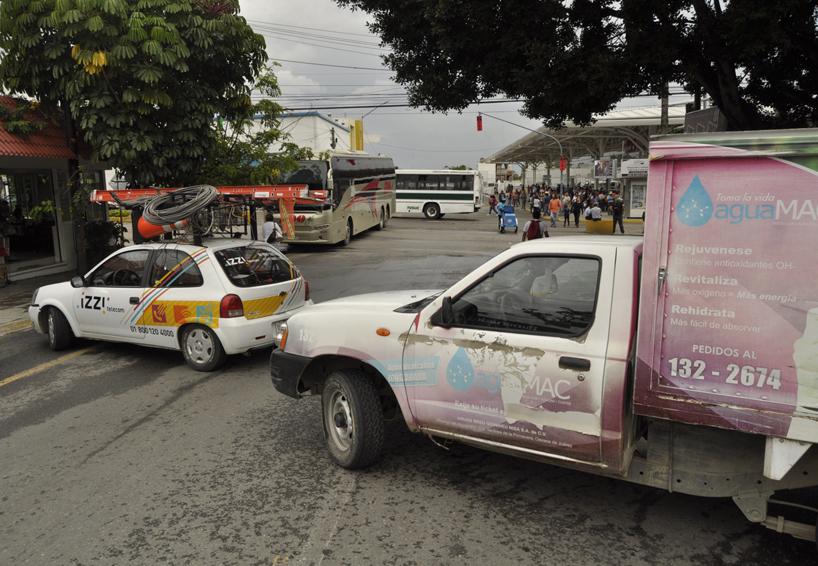 Protestan regularizados; reclaman pagos de 2016 | El Imparcial de Oaxaca