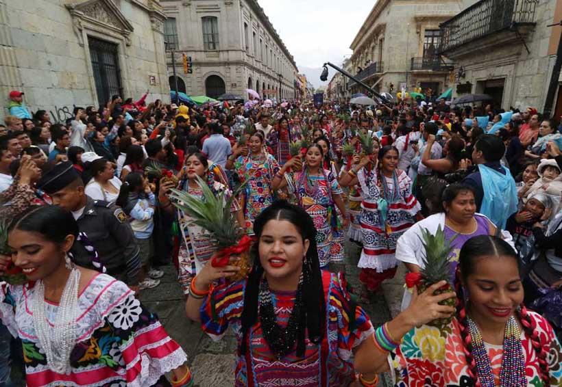 Cautiva desfile de delegaciones   El Imparcial de Oaxaca