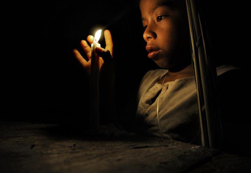 Sin luz en barrios de Pinotepa Nacional | El Imparcial de Oaxaca