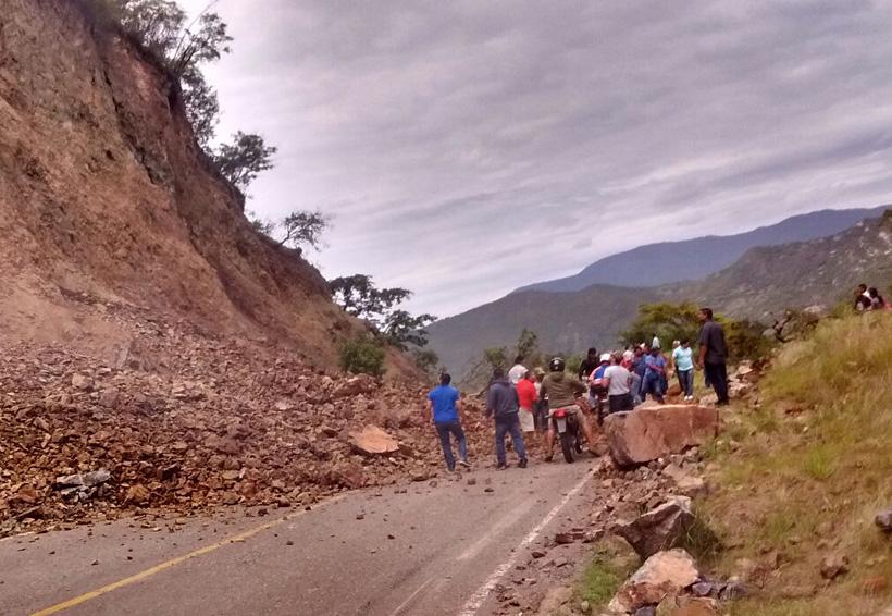 Reportan derrumbe en el km 63-64 de la carretera 190 | El Imparcial de Oaxaca