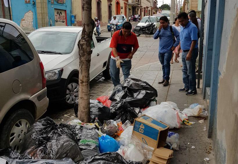 Centro histórico se llena de basura   El Imparcial de Oaxaca