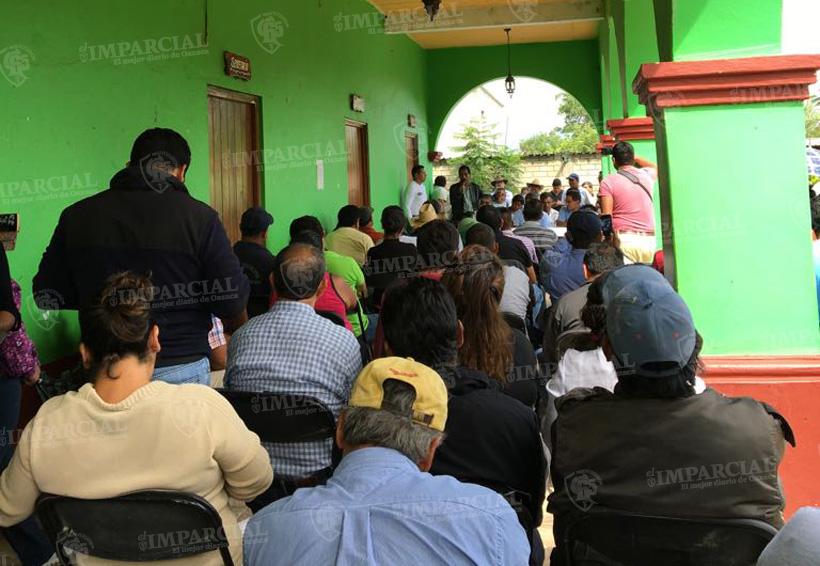 Habitantes de la Reyes Mantecón exigen respeto a sus terrenos | El Imparcial de Oaxaca