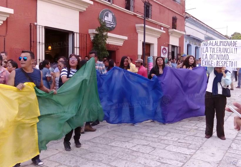 Video: Realizan calenda -marcha de la diversidad sexual en Oaxaca | El Imparcial de Oaxaca