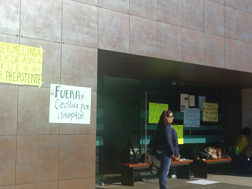 Protestan en inmediaciones de Ciudad Judicial | El Imparcial de Oaxaca