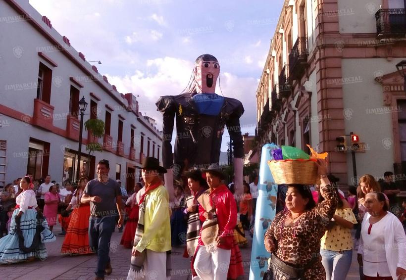 Participan locatarios del mercado 20 de Noviembre en calenda | El Imparcial de Oaxaca