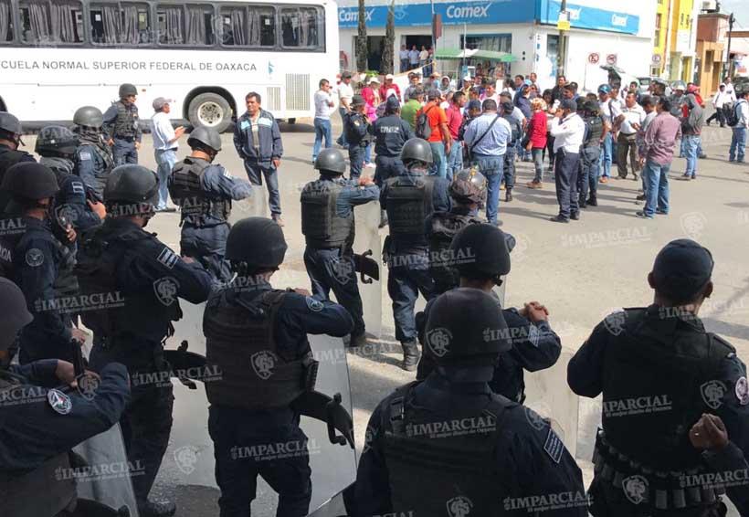 Policías retiran bloqueos en Oaxaca | El Imparcial de Oaxaca
