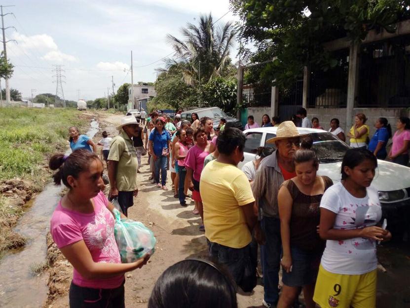 Apoya la S-22 a  familias porteñas en Salina Cruz | El Imparcial de Oaxaca