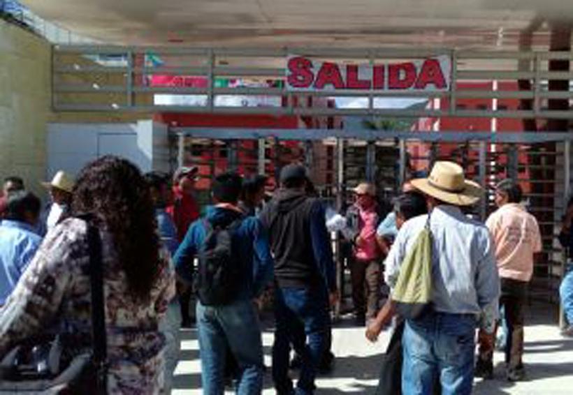 Cierran pobladores de  Güilá Ciudad Administrativa | El Imparcial de Oaxaca