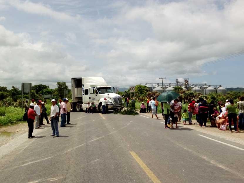 Chiveleños bloquean  carretera federal en  Ixtaltepec | El Imparcial de Oaxaca
