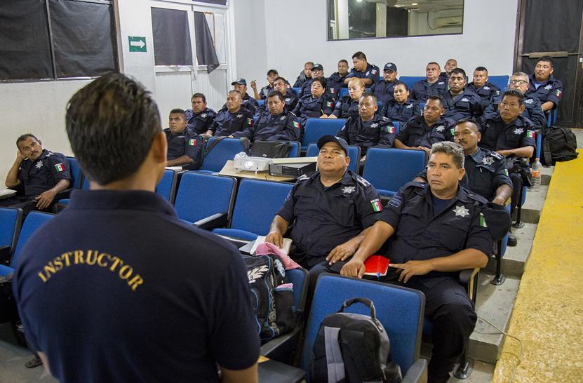 Impulsan profesionalización policial en Salina Cruz | El Imparcial de Oaxaca