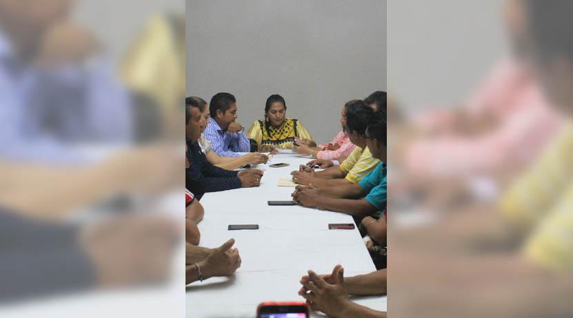 Avanzan acuerdos  entre gobierno  municipal y  trabajadores en Tehuantepec | El Imparcial de Oaxaca