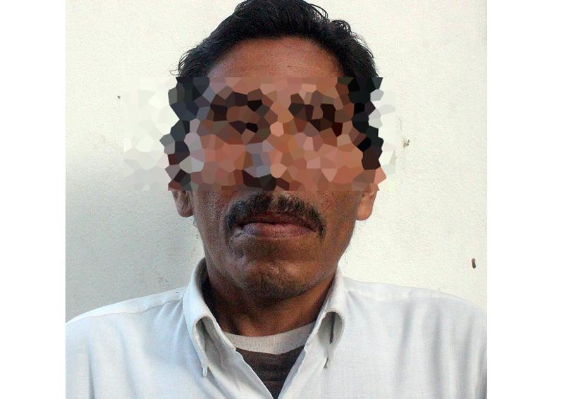 Manoseó a una pasajera y encima le robó   El Imparcial de Oaxaca