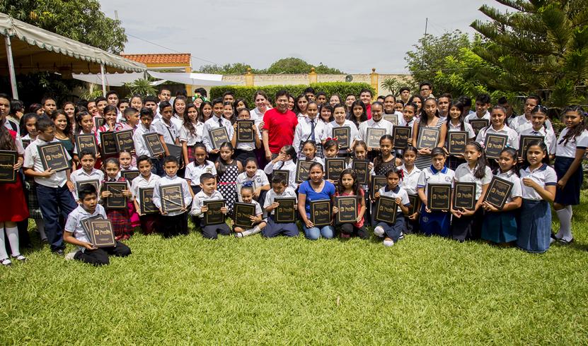 Reconoce alcalde desempeño  de niños y jóvenes destacados en Salina Cruz | El Imparcial de Oaxaca