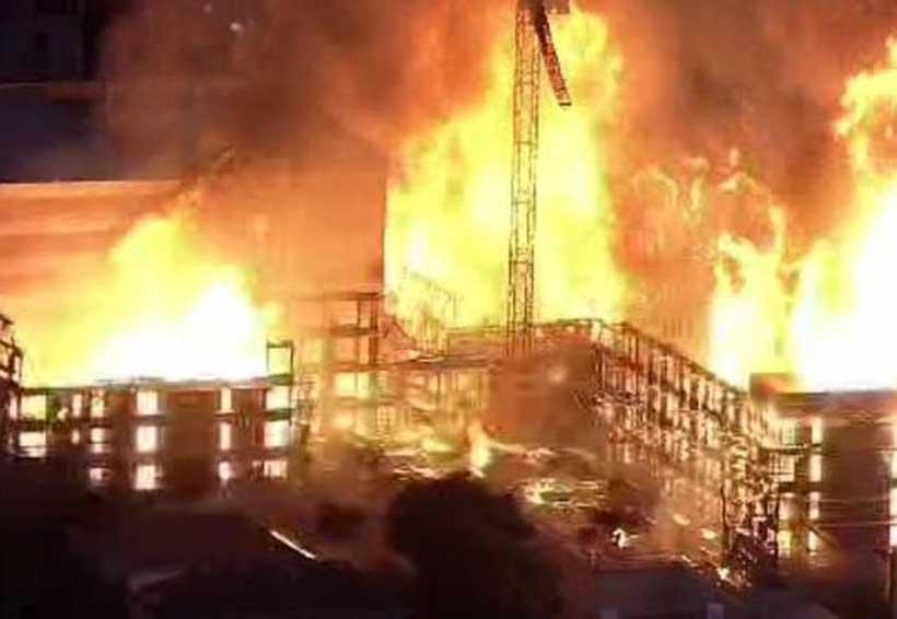 Incendio de 4 alarmas arrasa con edificio en Oakland | El Imparcial de Oaxaca