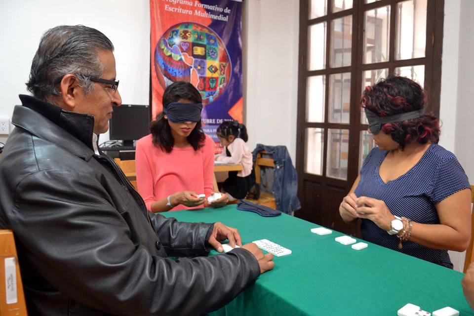 Fomentan el dominó a ciegas en la Biblioteca Pública Central | El Imparcial de Oaxaca