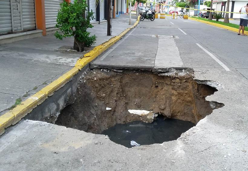 En la Cuenca atienden socavones   El Imparcial de Oaxaca