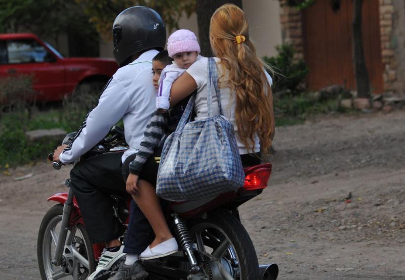 En el Istmo aumentan los accidentes por el uso del celular y la falta de casco | El Imparcial de Oaxaca