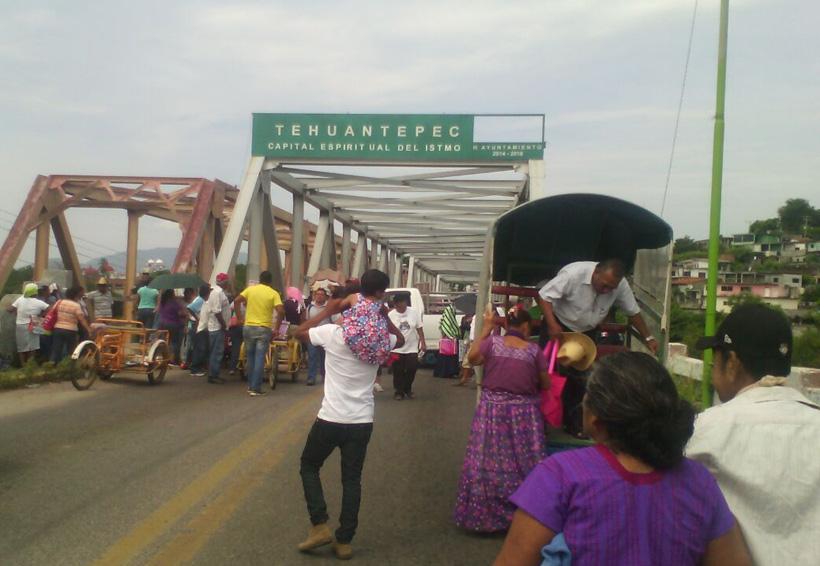Sorgueros bloquean en el Istmo; demandan pago por sequía | El Imparcial de Oaxaca
