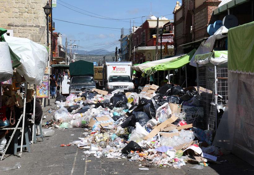 Recogen basura acumulada en calles de Oaxaca | El Imparcial de Oaxaca