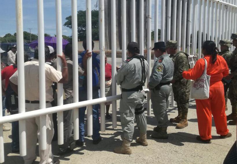Habitantes de Salina Cruz exigen pago por daños ambientales   El Imparcial de Oaxaca