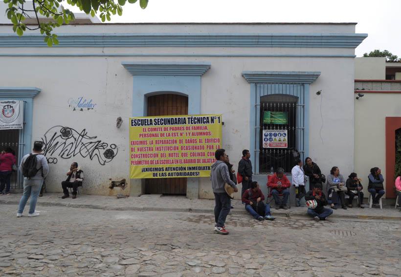 Agentes de vialidad desvían la circulación por bloqueos en Oaxaca | El Imparcial de Oaxaca