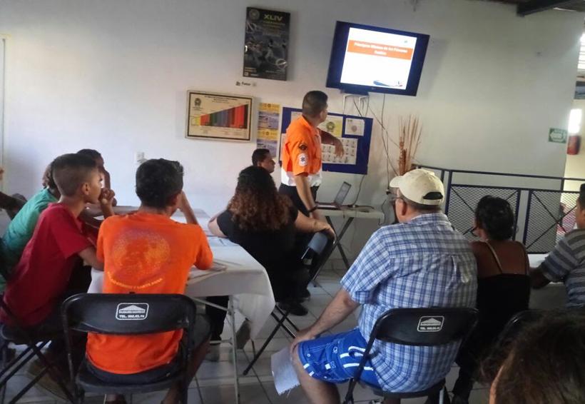 Imparten cursos de primeros auxilios en la Costa de Oaxaca | El Imparcial de Oaxaca