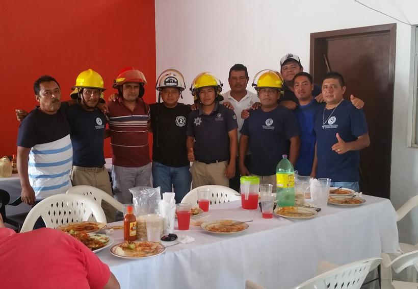 Celebran su día los bomberos de San Pedro Mixtepec, Oaxaca | El Imparcial de Oaxaca