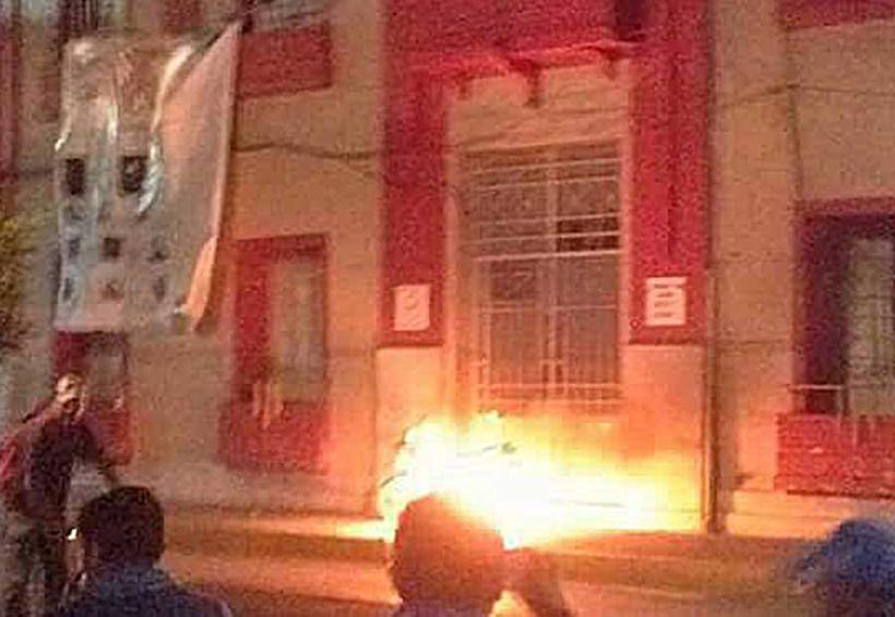 Por inseguridad, vecinos prenden fuego a alcadía en Hidalgo | El Imparcial de Oaxaca