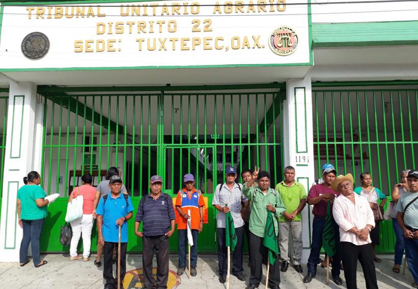 En la Cuenca protestan frente al Tribunal Agrario | El Imparcial de Oaxaca