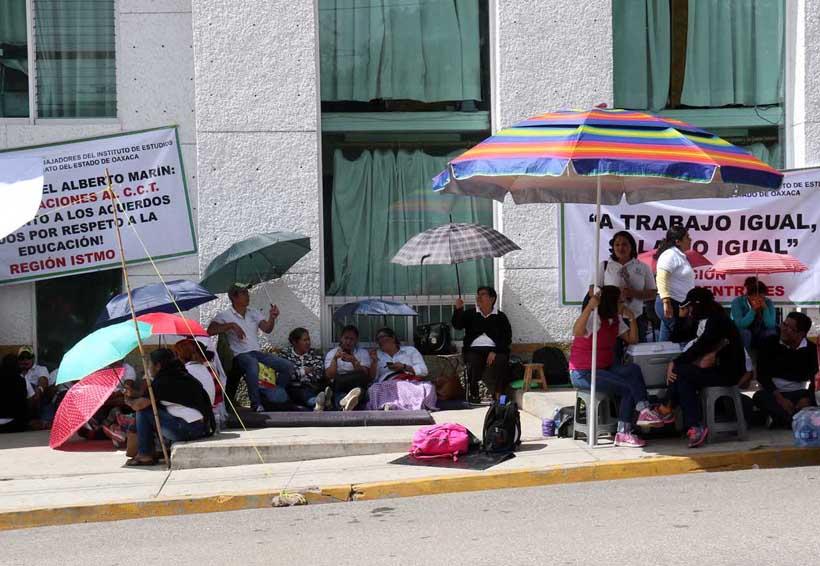 Culmina protesta de SUTIEBO en Oaxaca; logran acuerdos | El Imparcial de Oaxaca
